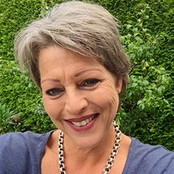 Jacqueline Woud